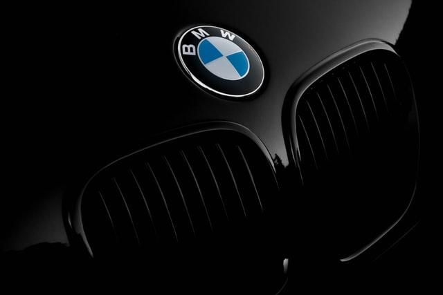 Découvrir la marque BMW à travers sa passionnante histoire