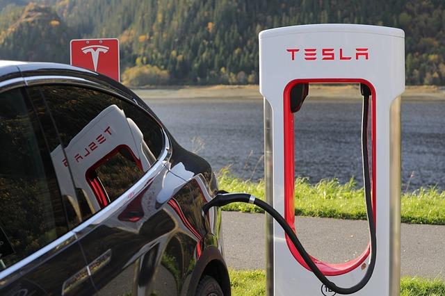 Savoir l'essentiel sur l'histoire de Tesla