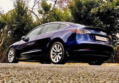 Tesla Nouveau Pneu Neige Model 3 LR grande autonomie